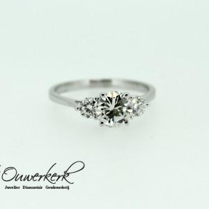 Facebook Ring 3 diamantenkopie